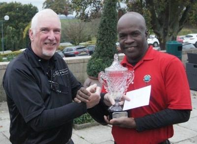 Winner Ian Higgins (right)