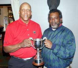 Winner Captains Trophy - Micky Taylor (left)